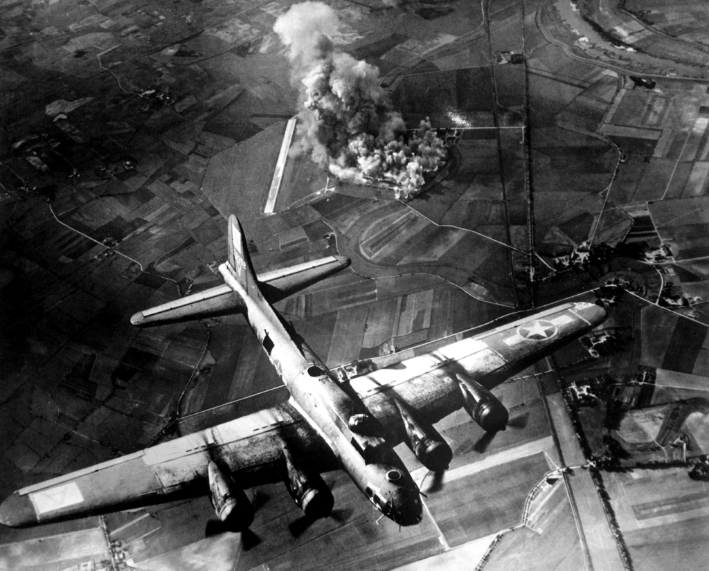 Boeing B-17 Flying Fortress Aircraft Four-engined Bomber ...