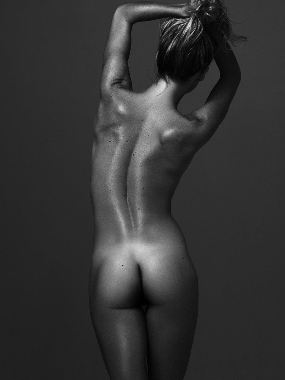 Montana Lower nude rear ass model
