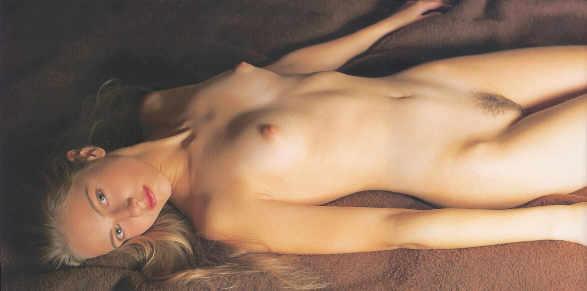 blond girl nude photography