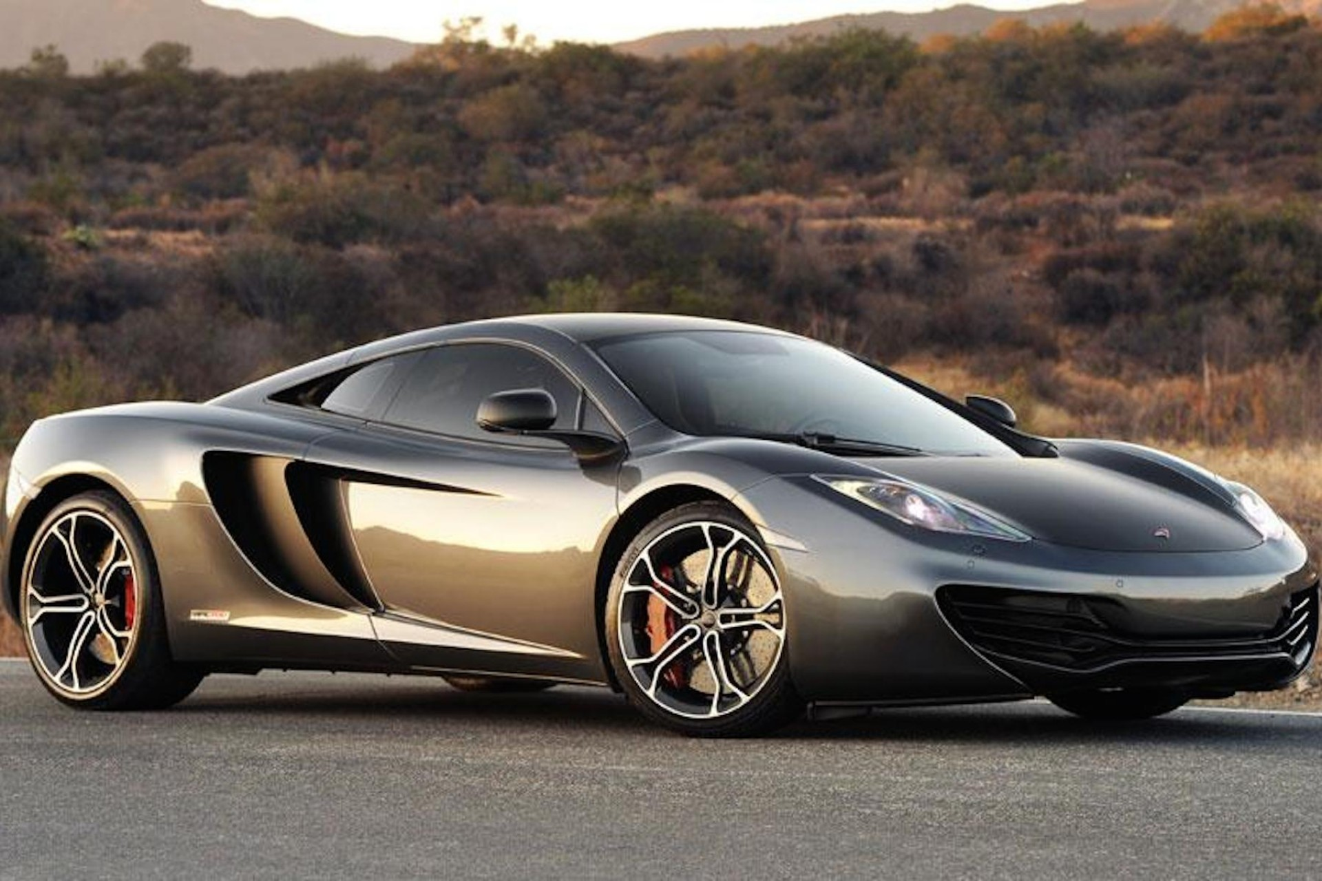 McLaren MP4-12C crap like me and my whole family of alcoholics