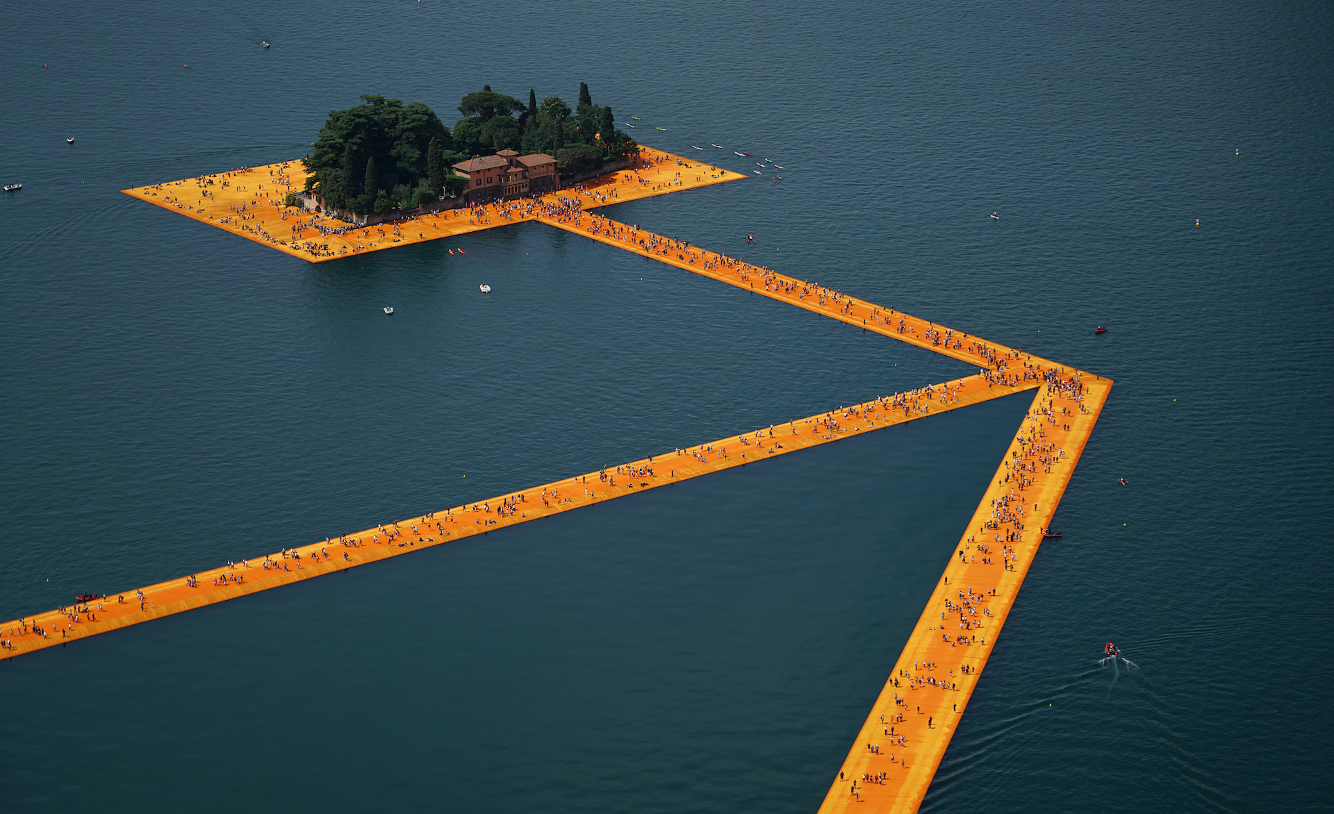 landscape artist Christo rip The Floating Piers Jeanne-Claude