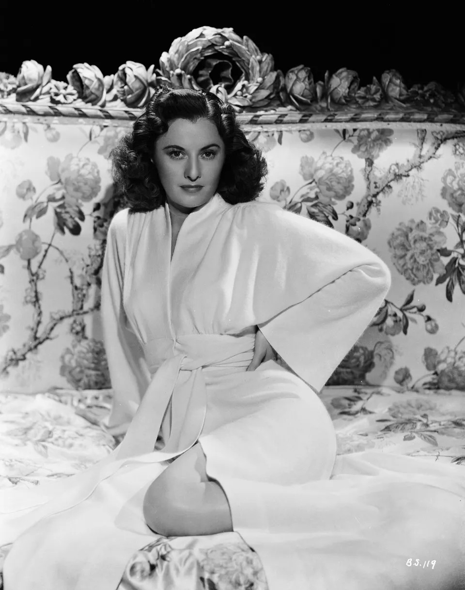 Barbara Stanwyck actress 1942 BOOMERPOST < incel tag
