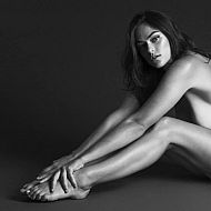 2021/04/myla-dalbesio-nude-for-unconditional-magazine-004-from-sexvcl-net